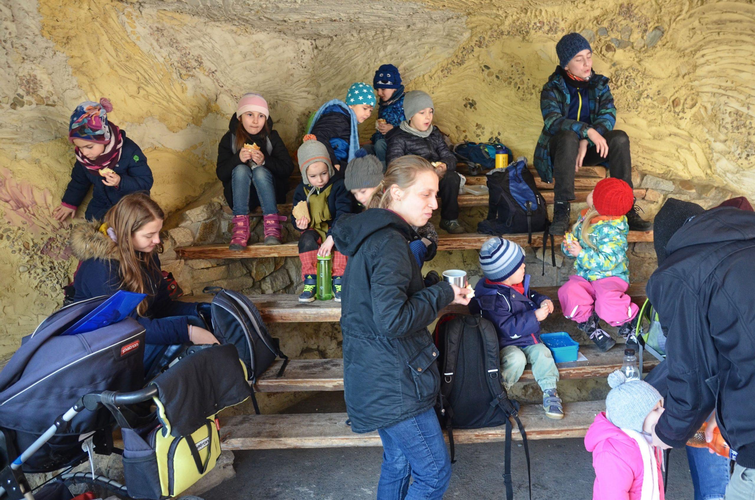 Fotky z výletu mladších dětí do ZOO 22.2.2020